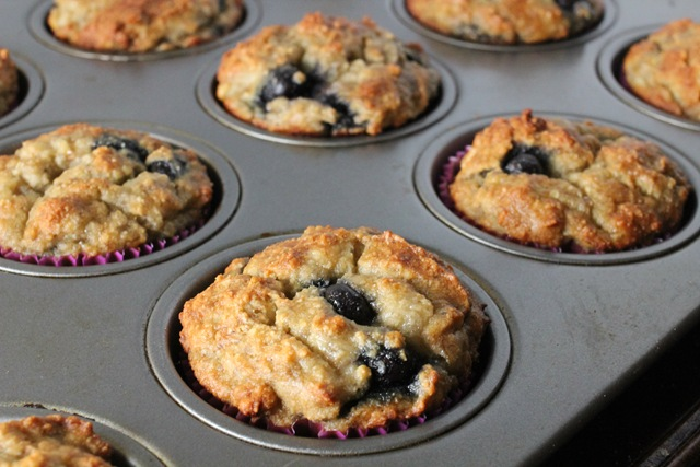Recipe} Banana Blueberry Muffins with Almond Flour – Healthy ...
