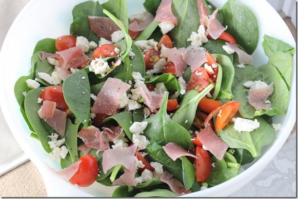 spinach prosciutto salad